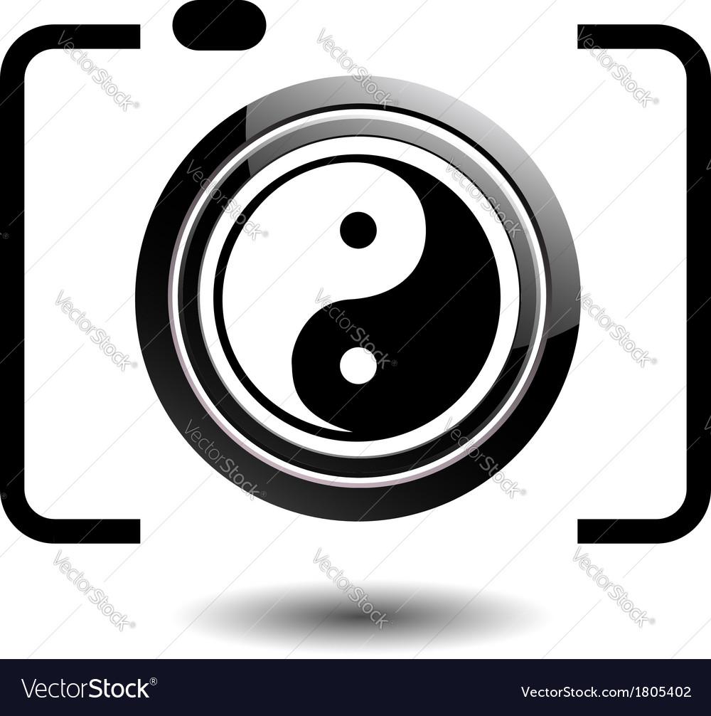 Digital camera- photography logo with ying yang vector | Price: 1 Credit (USD $1)