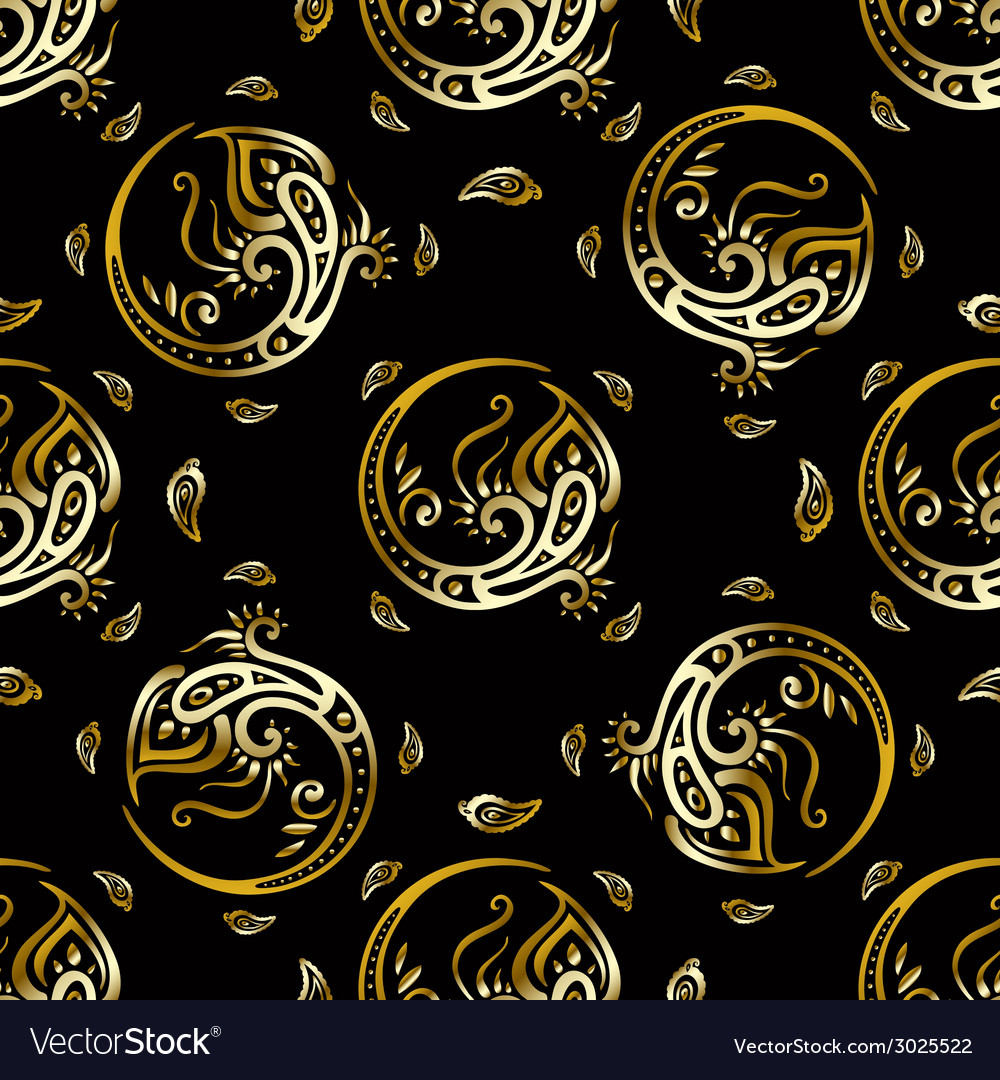 Beautiful peacock feathers gold pattern vector | Price: 1 Credit (USD $1)