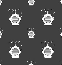 Old analog radio icon sign seamless pattern on a vector