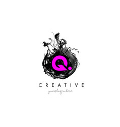 Q letter logo design with ink cloud texture vector