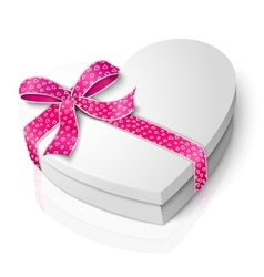 Realistic blank heart shape box with pink vector