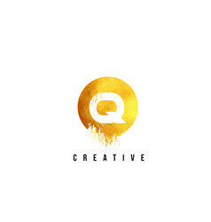 Q gold letter logo design with round circular vector