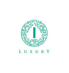 I letter logo luxurybeauty cosmetics logo vector