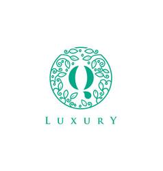 q letter logo luxurybeauty cosmetics logo vector image vector image
