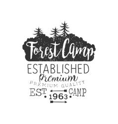 Premium forest camp vintage emblem vector