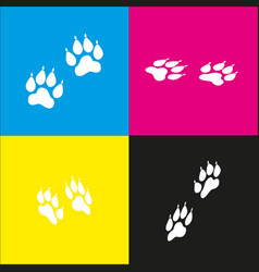 Animal tracks sign white icon with vector