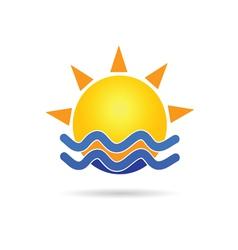 sun with blue sea icon vector image