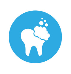 Tooth clean isolated icon vector