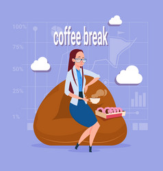 Business woman having lunch during coffee break in vector