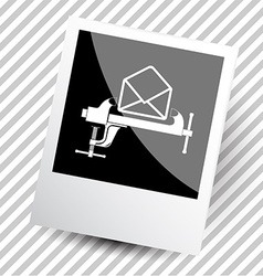 Mail with clamp vector