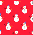 seamless pattern with christmas snowman on red vector image